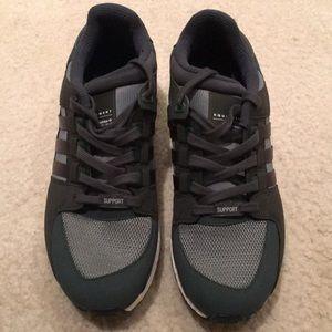Men's Adidas Equipment size 9